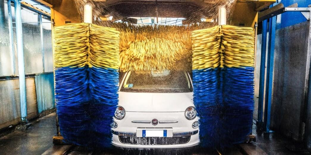Come Lavare L Auto All Autolavaggio Con Semplici Istruzioni Guide Online It