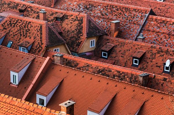 Come pulire le tegole del tetto
