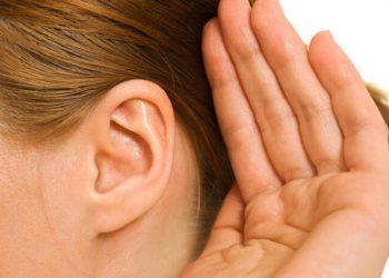 come stappare le orecchie dal cerume