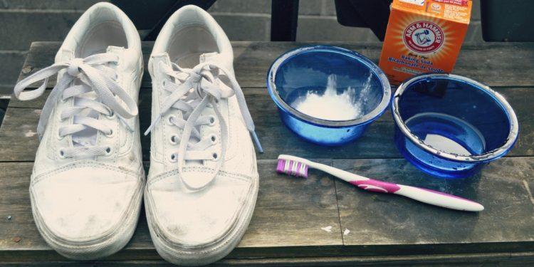 scarpe tennis lavare