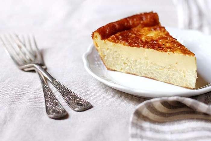 torta di Carrara in piatto