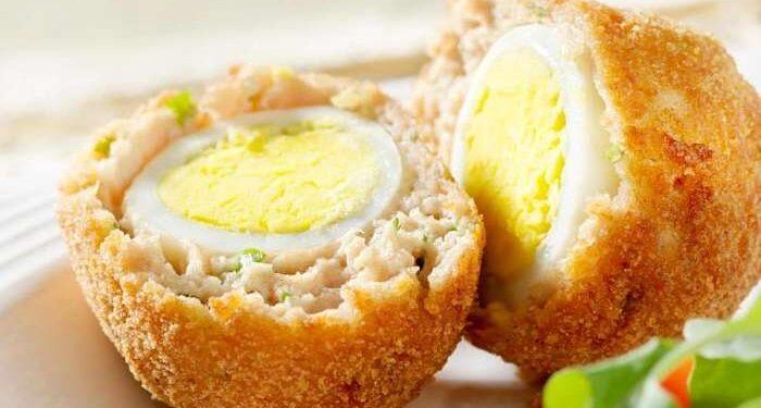 Uova alla monachina preparazione