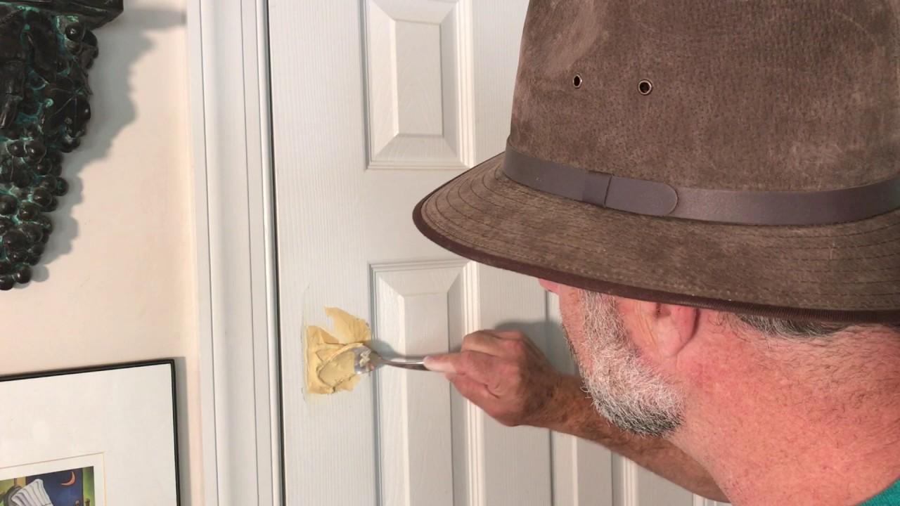 Come Sistemare Una Porta In Legno come riparare un buco in una porta • guide-online.it