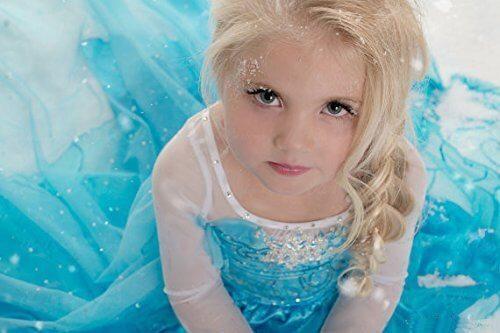 Cucire il vestito di Elsa