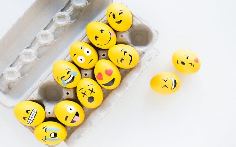 Uova pasquale emoticon