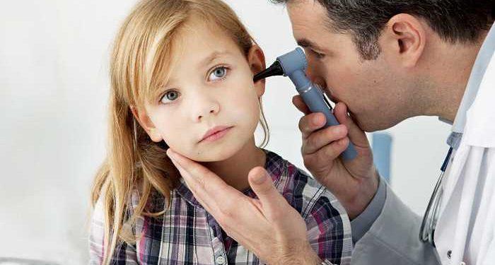 visita sordità bambina