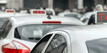 taxi in colonna