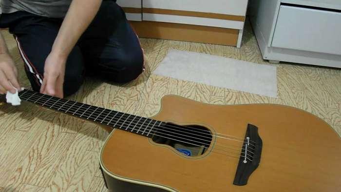 chitarra manutenzione